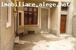 Calea Victoriei Moxa, vila S+P+1, 150 mp, 5 camere, 2 bai, 2 bucatarii, 2 intrari, partial mobilata